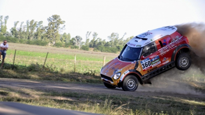 Chinese driver Guo Meiling lost control of her Mini during the opening day's action from Buenos Aires to Rosario