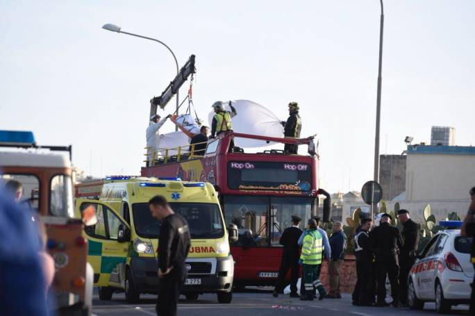 The lifeless bodies of the tourists killed in the accident were lowered by a crane (Photo: James Bianchi/MediaToday)