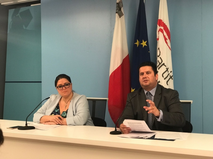 [WATCH] Labour ministers hit out at Busuttil's business ties