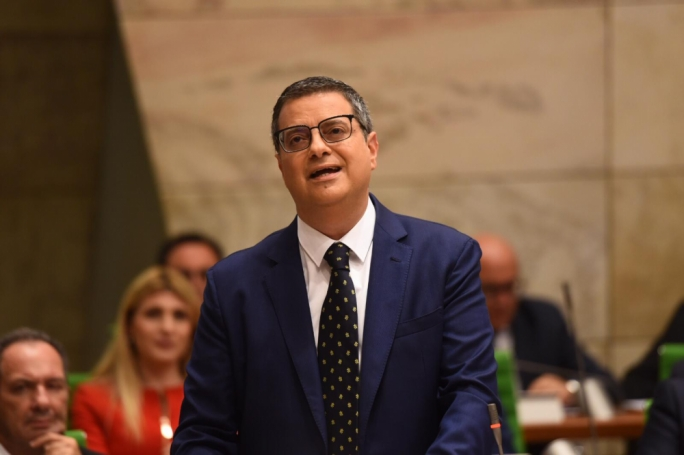 Simon Busuttil snubs Adrian Delia's request to co-sign motion on Keith Schembri