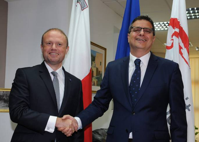[WATCH] Muscat welcomes Adrian Delia to Labour HQ for first face-to-face meeting