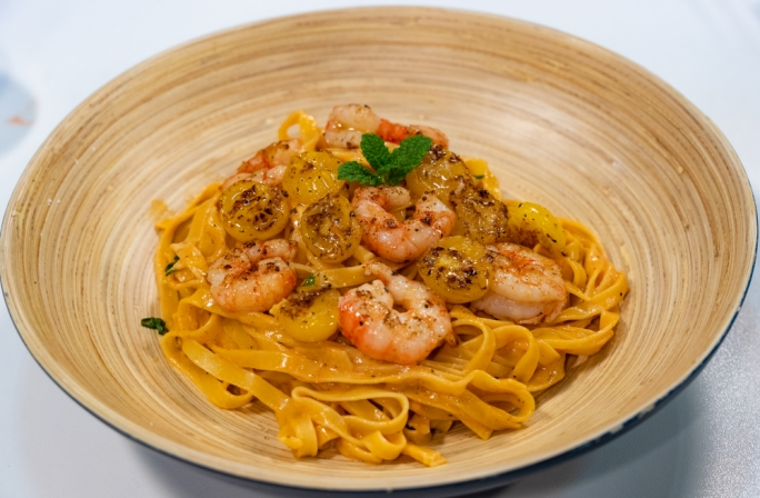 [WATCH] Linguine with local red prawns