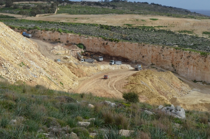 Only a handful of quarries are receiving construction waste despite 32 licences