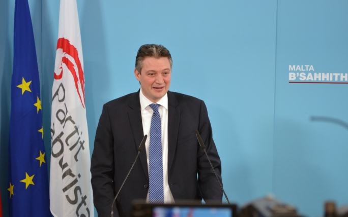 Konrad Mizzi declares his assets as an MP