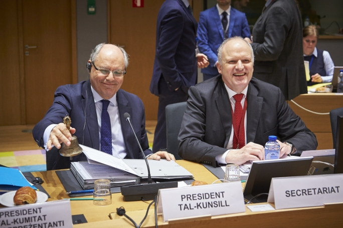 Finance Minister Edward Scicluna (left) at an Ecofin meeting