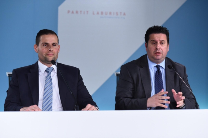 Busuttil vows to keep 'knocking on justice's door', Labour says he is threat to rule of law