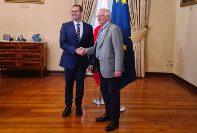 PM insists Malta wants automatic migrant relocation in meeting with EU foreign policy chief