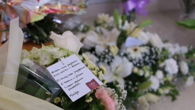 [Watch] Flowers sent in at hospital morgue in solidarity with deceased migrants