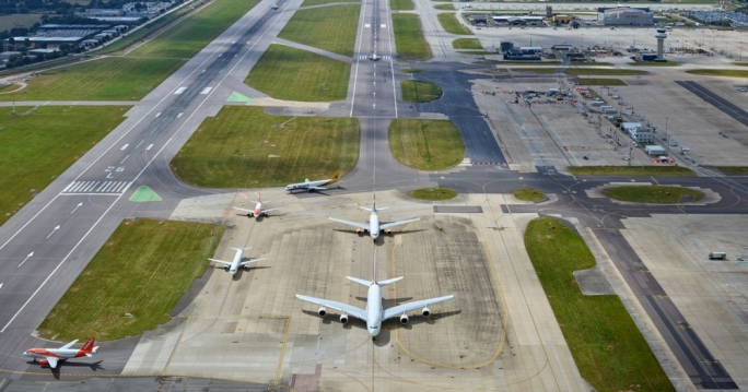 Gatwick airport's runway is closed after drones were spotted flying over it (Source: GetSurrey.co.uk)