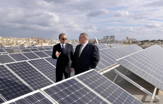 Former ministers shrug off responsibility over dubious PV project contract