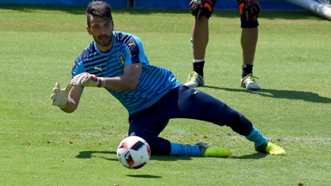 Goalkeeper Gianluigi Buffon of Italy taking part in a training session ahead of their UEFA EURO 2016 quarter final match against Germany