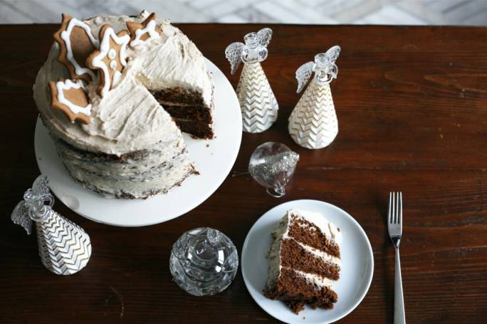 Ginger cake with cinnamon frosting