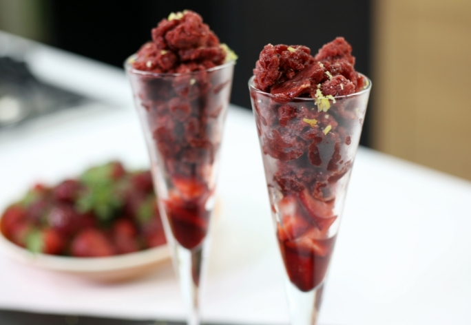 [WATCH] Strawberry and champagne granita
