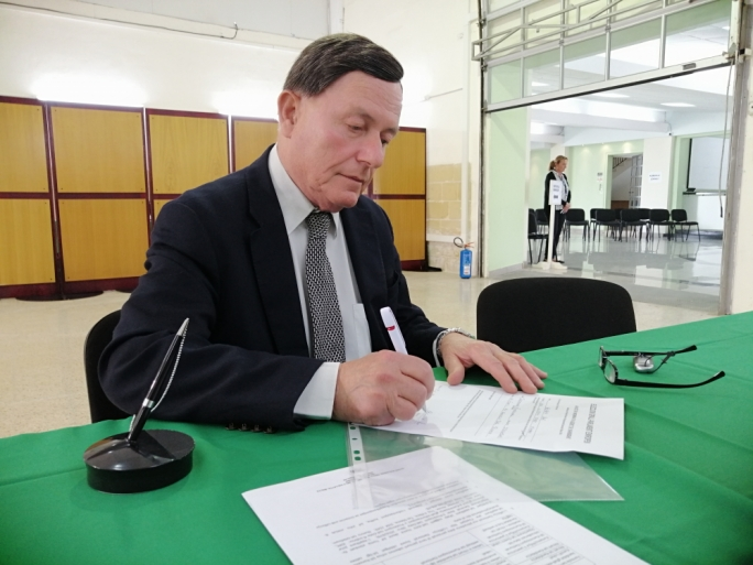 Alfred Sant submits MEP nomination, says it will be his last campaign