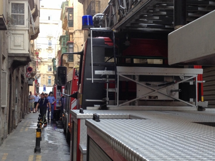 No injuries in Valletta fire, residents evacuated