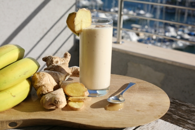 Banana and ginger smoothie