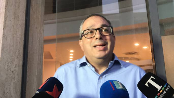 [WATCH] Perici Calascione complains of 'hidden hand' behind anonymous email