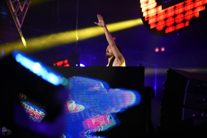 Steve Aoki fires up the crowd at Isle of MTV. Photo: Chris Mangion