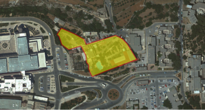 The area marked in yellow shows the location of the site between the hospital (left) and the university campus (right)