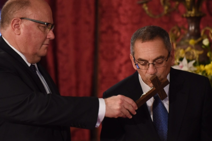 Joe Mizzi being sworn in as minister for energy and water management