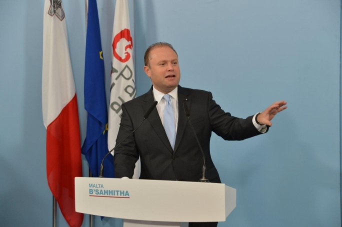 Muscat calls on Busuttil to start debating constitutional reforms immediately