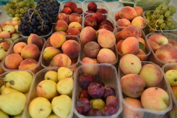 [WATCH] Farmers blame harsh winter weather for summer fruit shortage