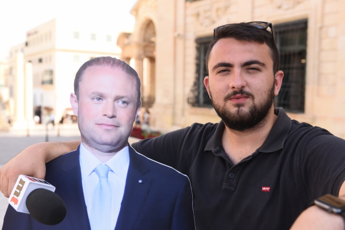 [WATCH] Taking Joseph Muscat out to ask people about his future and the missed EU job