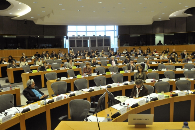 Updated | MEPs urge Maltese government to publish Egrant report, terminate citizenship scheme