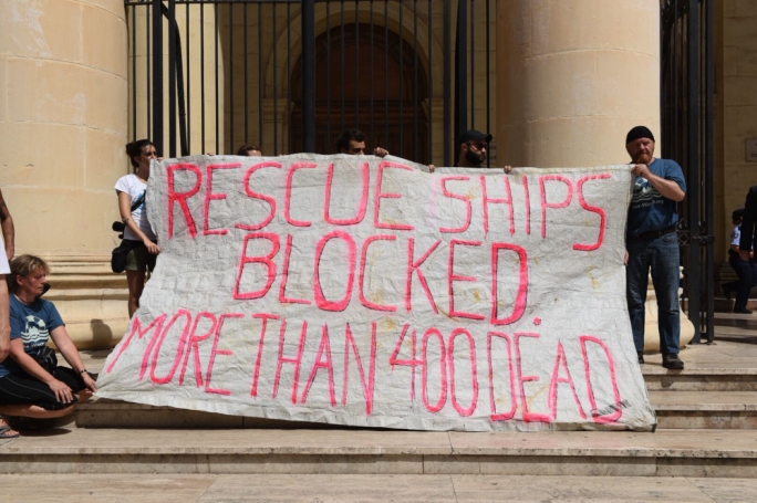 Lifeline activists are protesting against the decision by Malta and Italy to close their ports to migrant rescue vessels (Photo: James Bianchi/MediaToday)