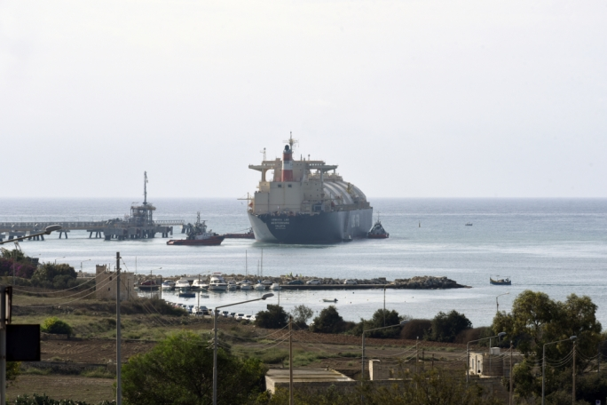 Muscat shrugs off Busuttil's warnings on LNG tanker