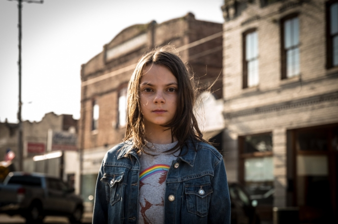 The girl with the claws: Dafne Keen
