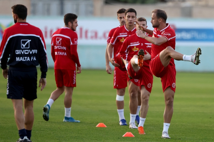 Malta's players during a training session on Monday ahead of the decisive match against the Faroe Islands (Photo: Domenic Aquilina/MFA)