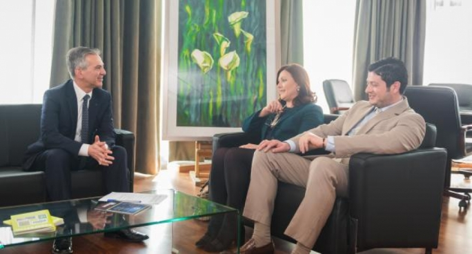 Mario Portelli (right) in a 2017 photo where he accompanied then PD leader Marlene Farrugia in a visit to former PN leader Simon Busuttil. The same occasion also saw another photo released by Farrugia to mark the official coalition with the PN for the forthcoming election