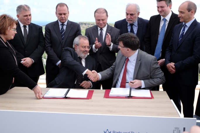 Then Malta Enterprise Chairman Mario Vella and Dean of Barts Medical School Anthony Warrens in March 2015 when a memorandum of understanding was signed to launch an overseas campus at Gozo General Hospital