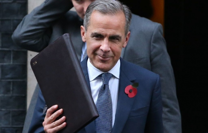 Bank of England governor Mark Carney to stay until 2019