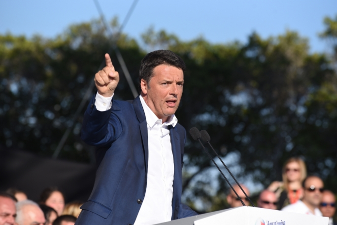 Former Italian premier Matteo Renzi addressed a Labour mass meeting, endorsing his
