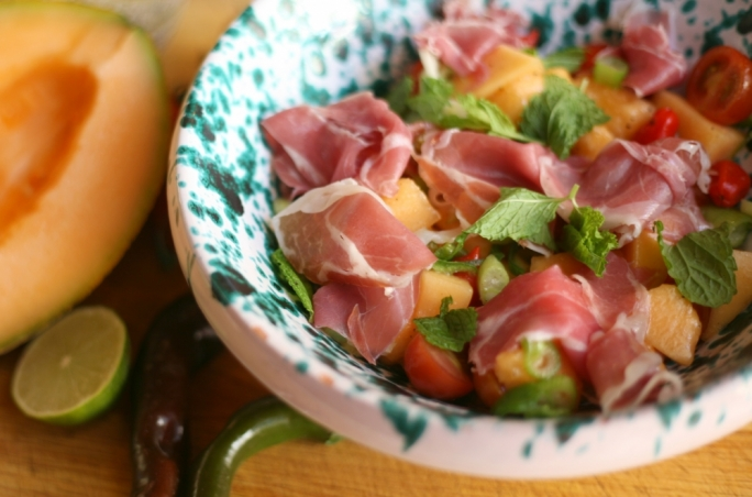 [WATCH] Melon, lime and mint salad with prosciutto crudo