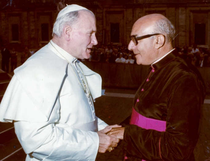 Mgr Paul Giglio pictured with Pope John Paul II
