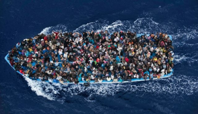 Libya intercepts boats carrying 850 people on Sunday