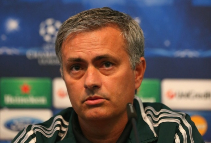 Chelsea manager Jose' Mourinho believes the Player of the Year award should always be picked from the League Champions.