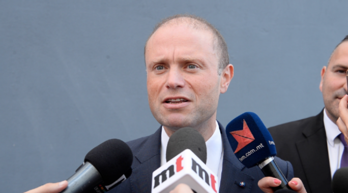Prime Minsiter Joseph Muscat again called on former PN leader Simon Busuttil to give up his seat in parliament