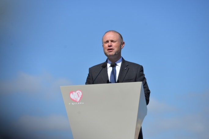 [WATCH] He won't go abruptly but he won't elaborate... Joseph Muscat on his future