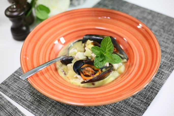 Mussel and fennel chowder