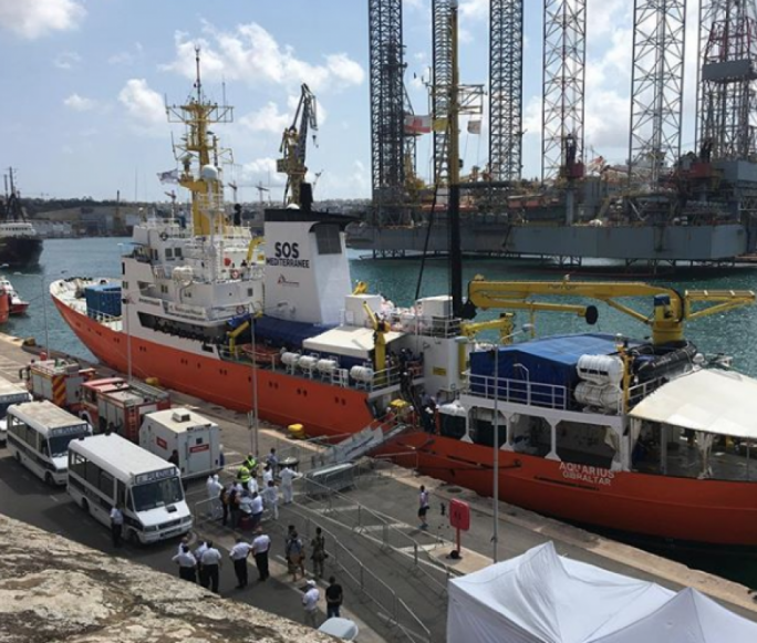 Updated | Aquarius docks in Malta as processing of 141 migrants on board begins