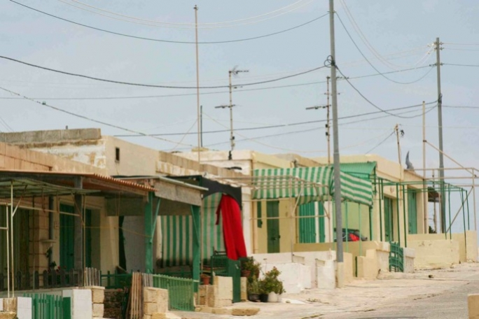 Not so smart a decision on Armier shacks