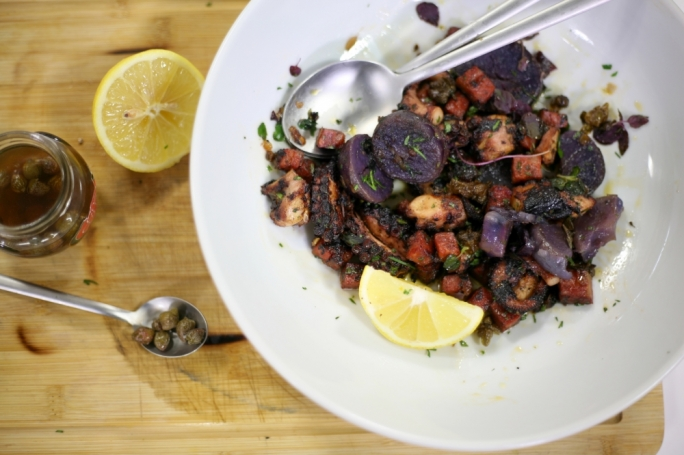 [WATCH] Octopus with chorizo, blue potato and capers