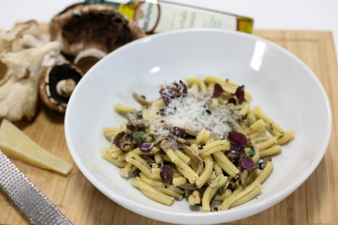Casareccia with wild mushrooms and truffle oil