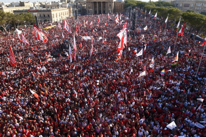 Tens of thousands attends Labour's mass meeting (Photo: Chris Mangion/MediaToday)