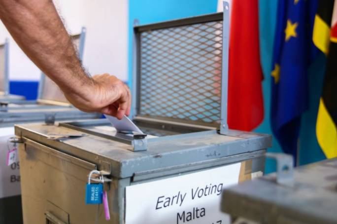 10% of voting documents were uncollected