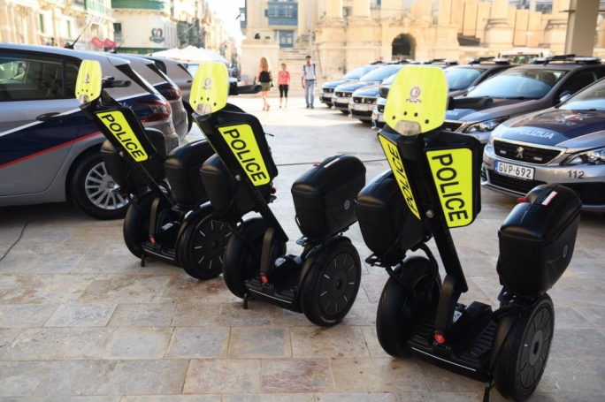 [WATCH] District police receive new cars and Segways